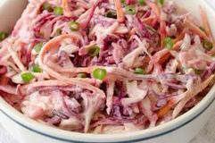 Salada de repolho e iogurte grego